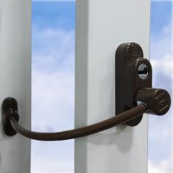 Дополнительный замок окна с ключом, коричневый цвет